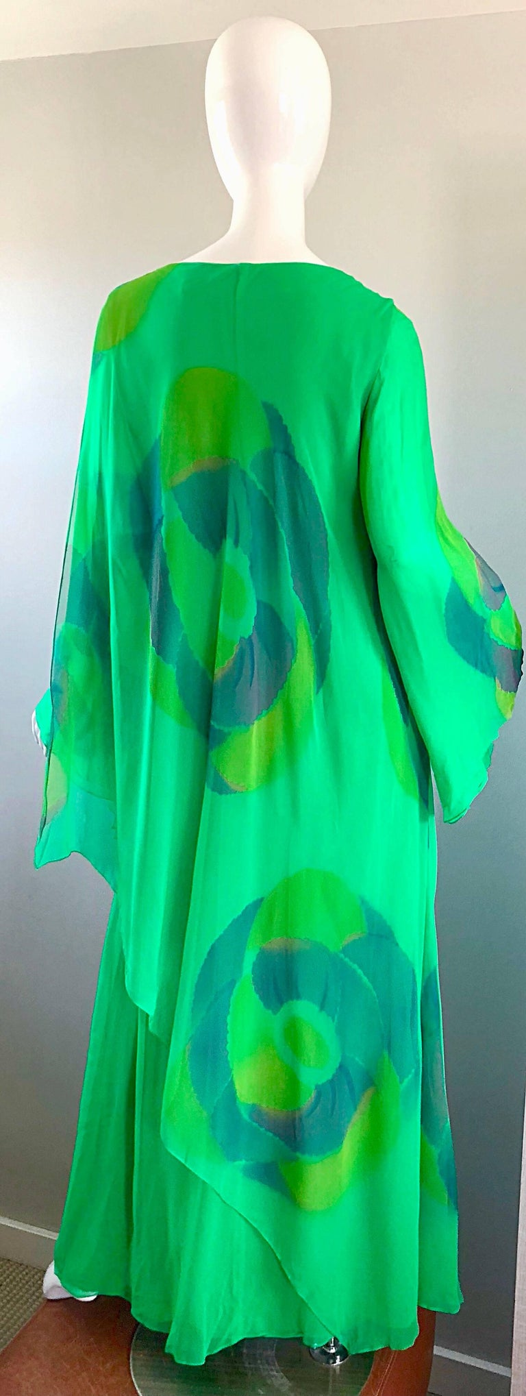 Women's Vintage Travillia Couture 1970s Hand Painted Kelly Green Silk Chiffon 70s Gown For Sale