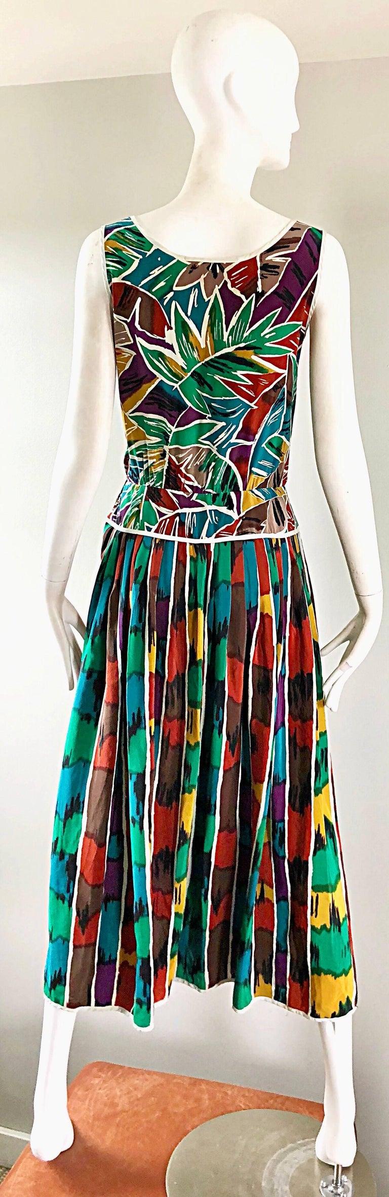 Vintage Oscar de la Renta Size 8 / 10 Kaleidoscope Print Silk Sleeveless Dress In Excellent Condition For Sale In Chicago, IL