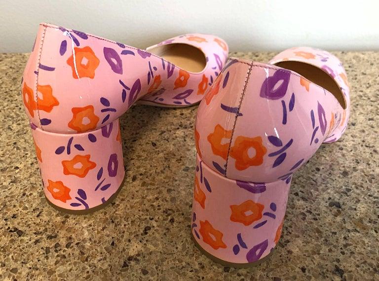Beige Sold Out Prada Size 37 / 7 Patent Leather Pink + Purple + Orange Lip Print Pumps For Sale