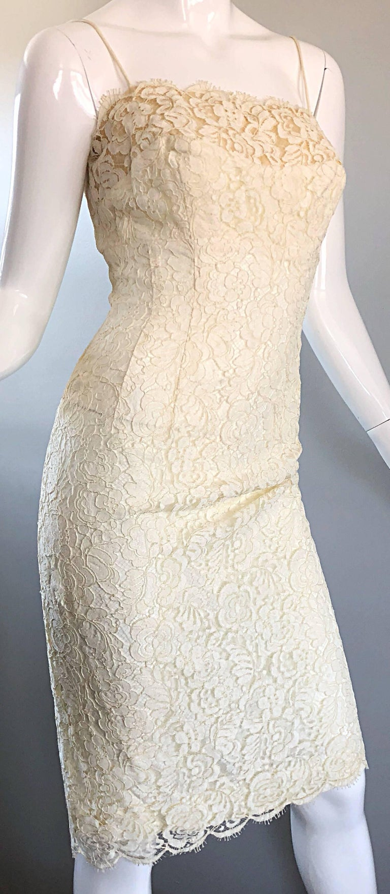 1950s Lilli Diamond Ivory Off - White French Lace Vintage 50s Wiggle Dress For Sale 1