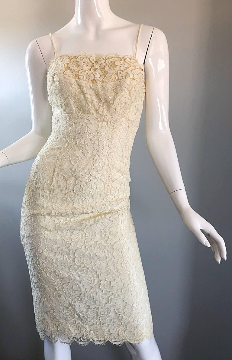 1950s Lilli Diamond Ivory Off - White French Lace Vintage 50s Wiggle Dress For Sale 4