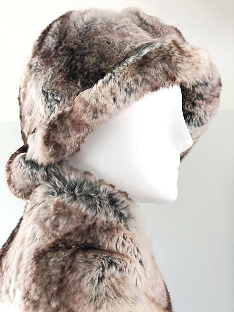 1960s Christian Dior by Marc Bohan Chinchilla Fur 60s Vintage Hat and Scarf In Excellent Condition For Sale In Chicago, IL