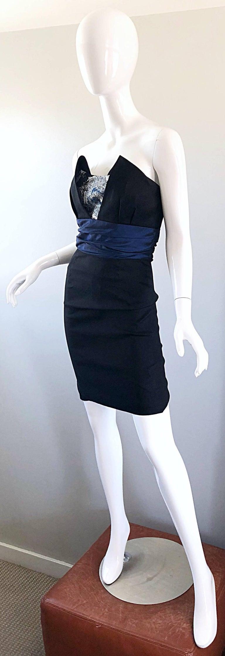 Women's Badgley Mischka 1990s Sz 4 Vintage Avant Garde Black Navy Blue Sequin Mini Dress For Sale