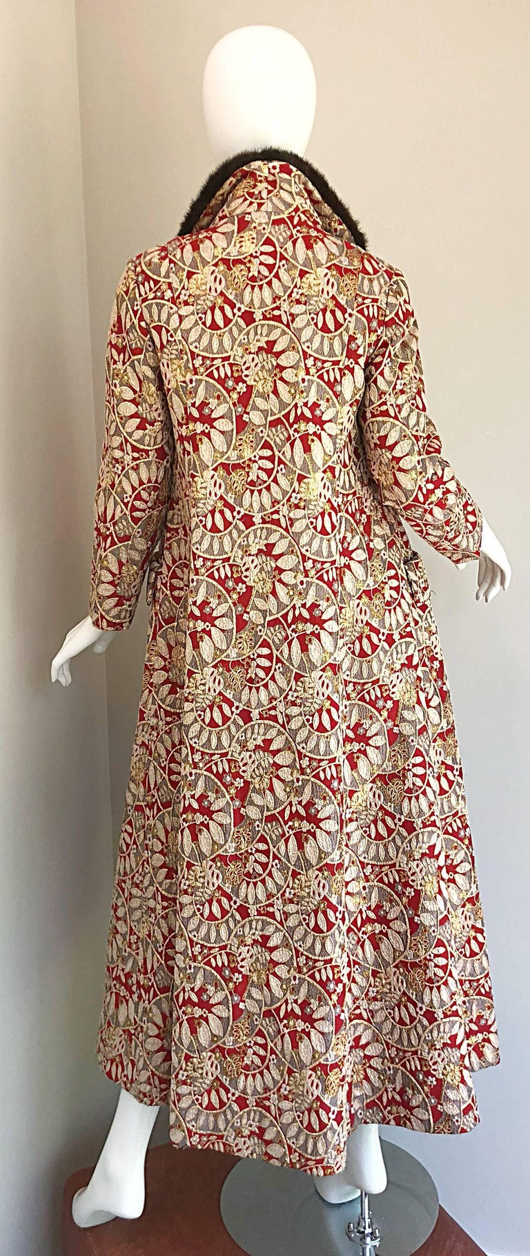 1960s Montaldo's Couture Red Gold Beaded 60s Gown and Jaket w/ Mink Fur Collar For Sale 3