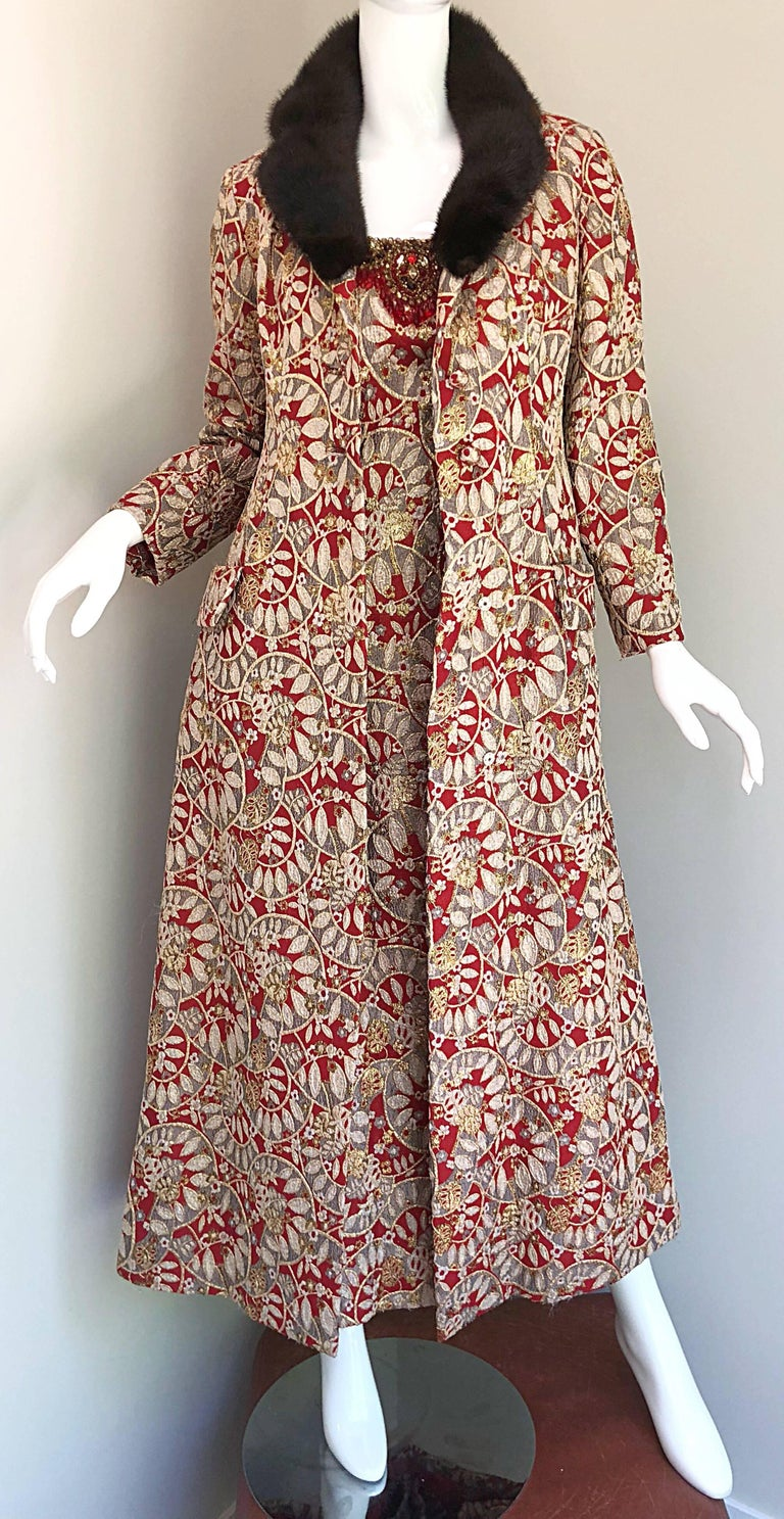 1960s Montaldo's Couture Red Gold Beaded 60s Gown and Jaket w/ Mink Fur Collar For Sale 9
