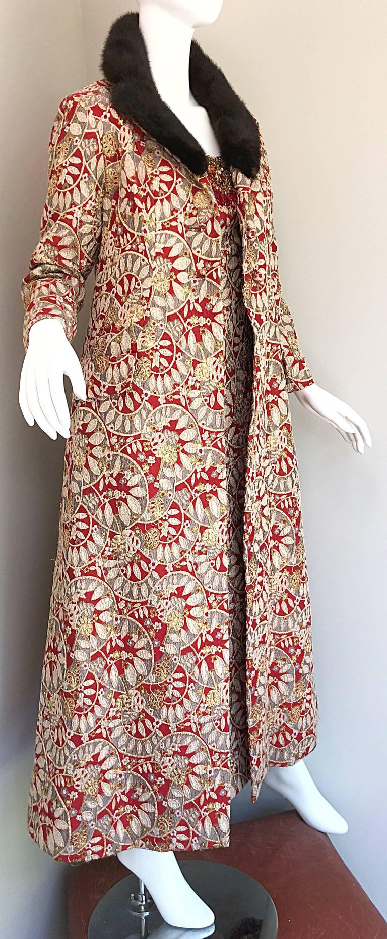 1960s Montaldo's Couture Red Gold Beaded 60s Gown and Jaket w/ Mink Fur Collar For Sale 13