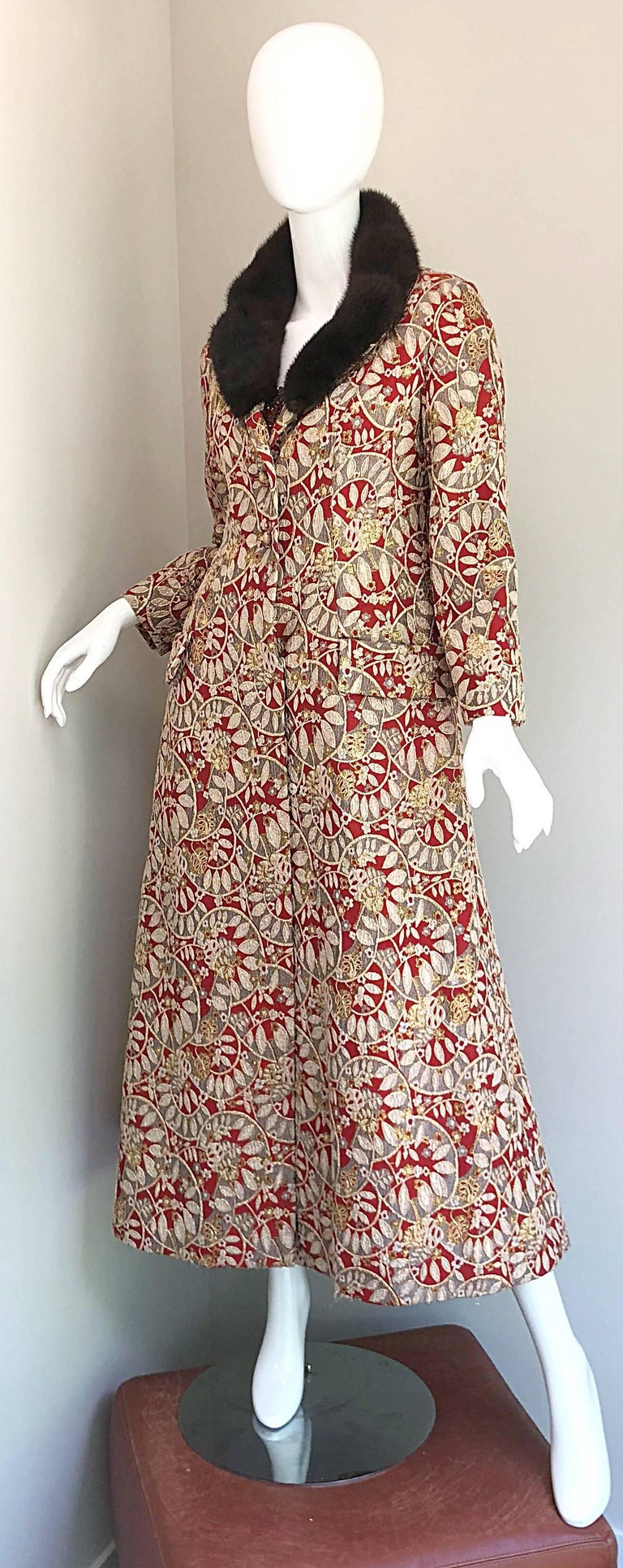 1960s Montaldo's Couture Red Gold Beaded 60s Gown and Jaket w/ Mink Fur Collar For Sale 14