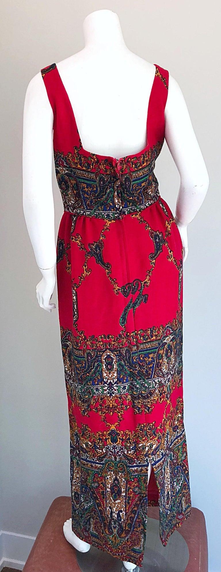 Vintage 1970\u2019s Red and Black Floral Print Boho House Dress
