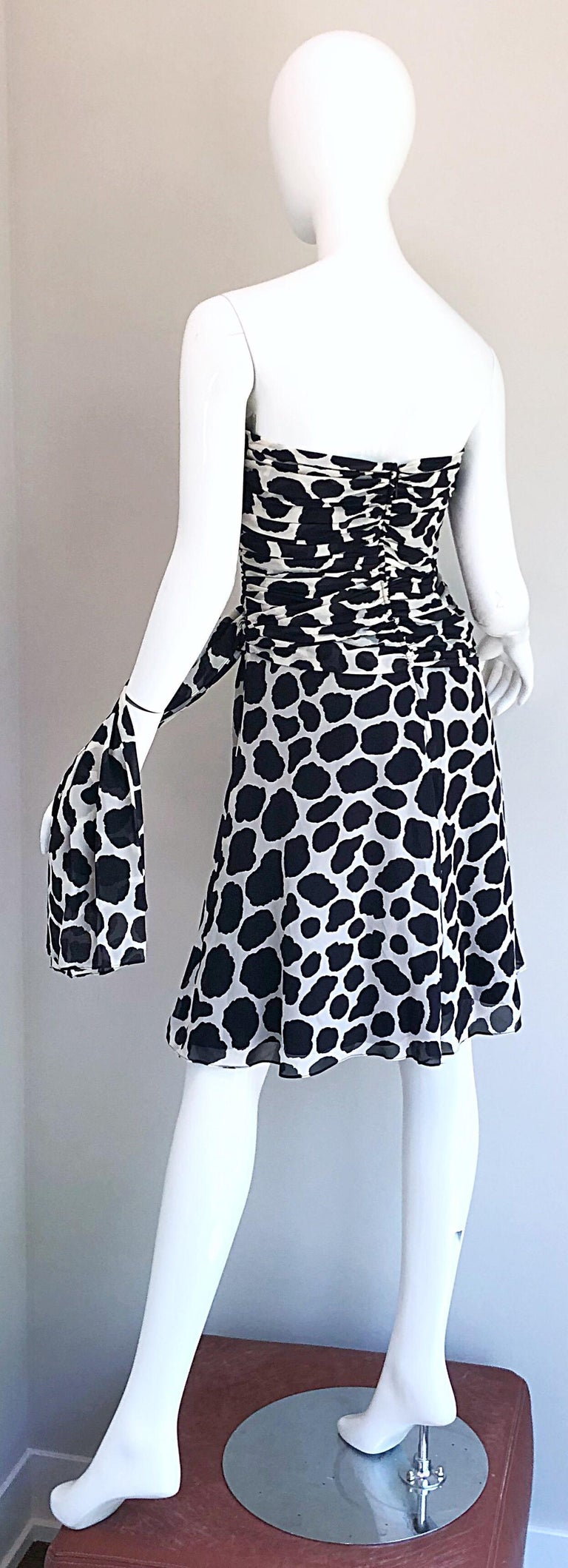 1990s Louis Feraud Size 8 / 10 Black and White Vintage Strapless Chiffon Dress For Sale 5