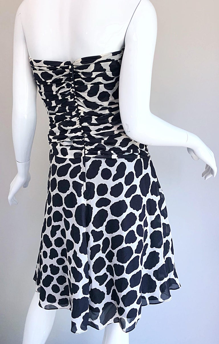 1990s Louis Feraud Size 8 / 10 Black and White Vintage Strapless Chiffon Dress For Sale 8