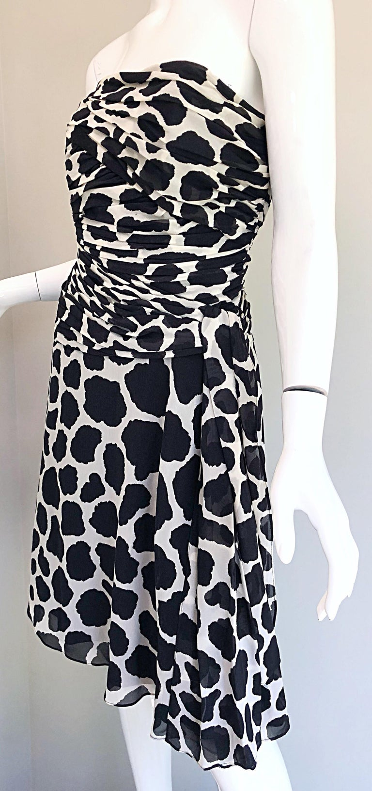 1990s Louis Feraud Size 8 / 10 Black and White Vintage Strapless Chiffon Dress For Sale 9