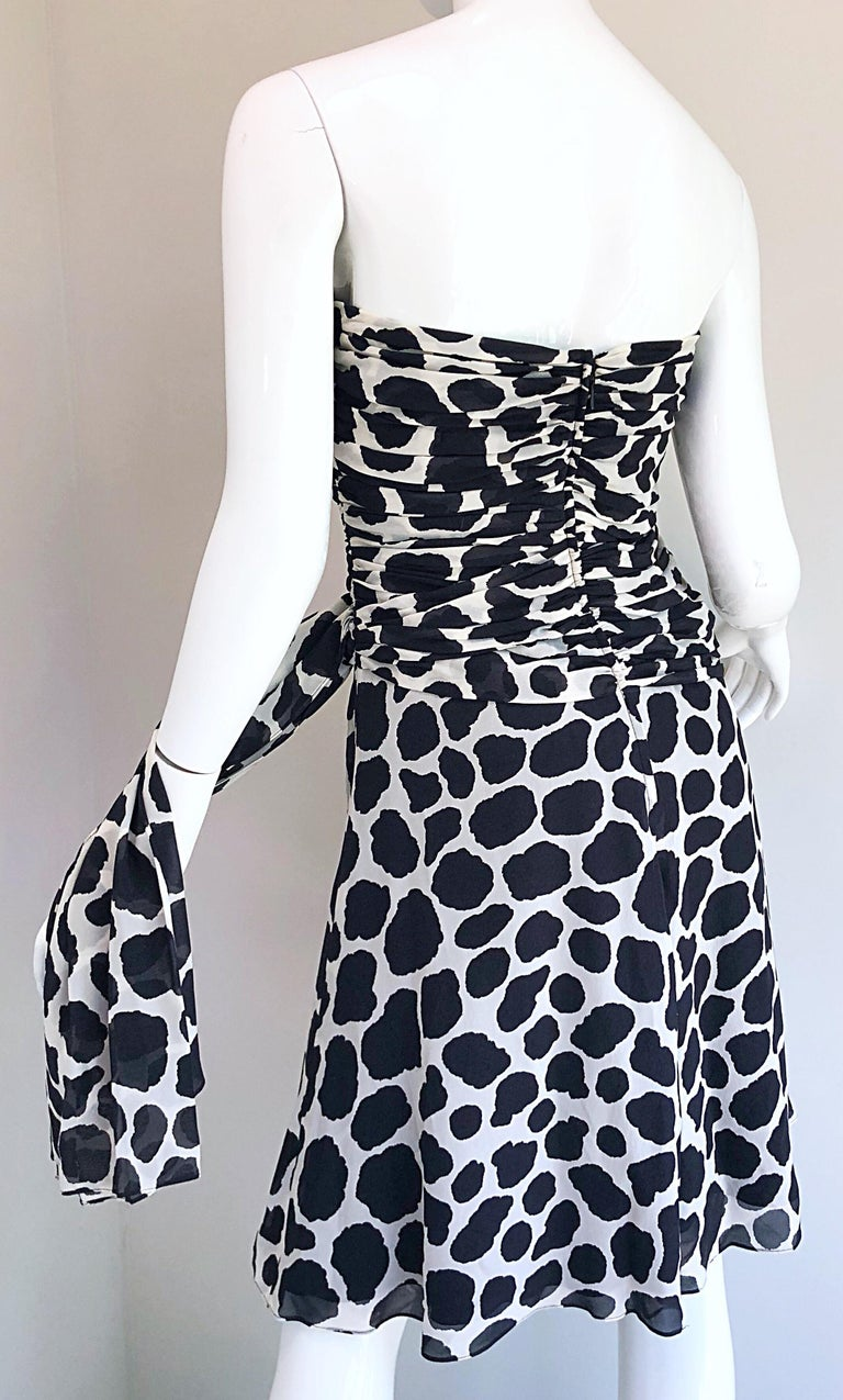1990s Louis Feraud Size 8 / 10 Black and White Vintage Strapless Chiffon Dress For Sale 10