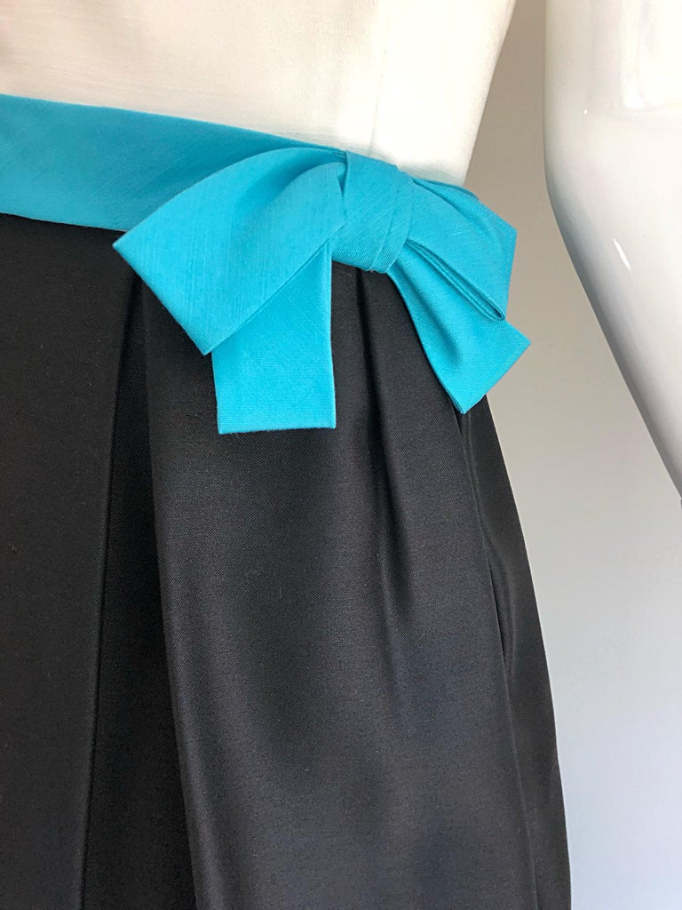 1950s B. Altman Black and White + Turquoise Blue Vintage 50s Silk Cocktail Dress In Excellent Condition For Sale In Chicago, IL