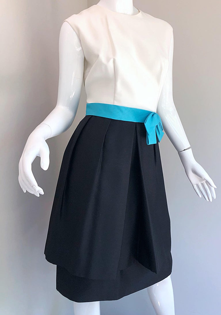 1950s B. Altman Black and White + Turquoise Blue Vintage 50s Silk Cocktail Dress For Sale 2