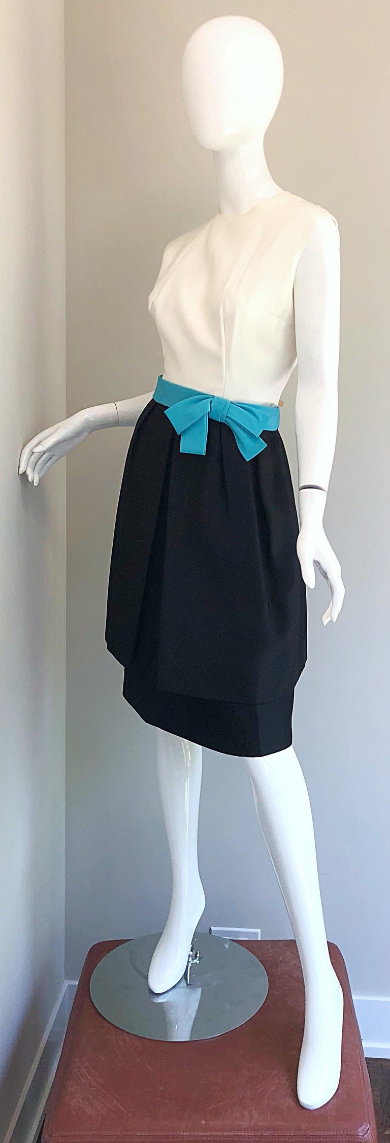 1950s B. Altman Black and White + Turquoise Blue Vintage 50s Silk Cocktail Dress For Sale 5