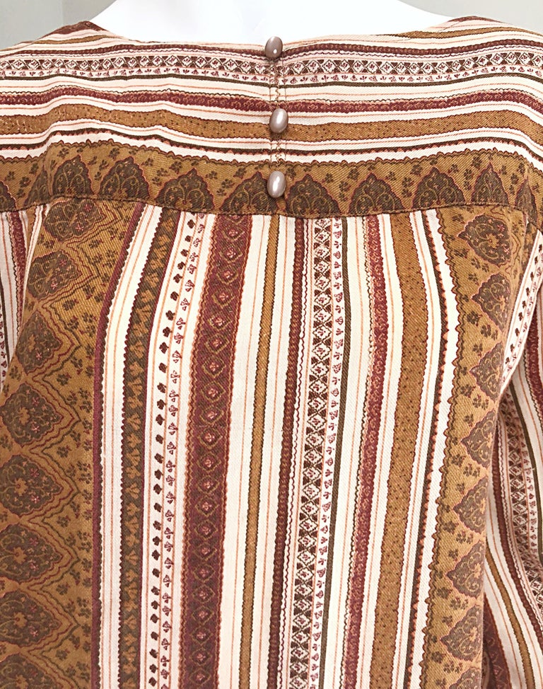 1970s Boho Chic Brown and Ivory Soft Cotton Paisley Print Vintage 70s Dress In Excellent Condition For Sale In Chicago, IL