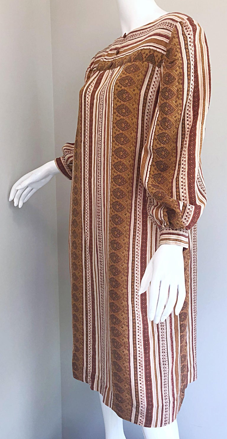 Women's 1970s Boho Chic Brown and Ivory Soft Cotton Paisley Print Vintage 70s Dress For Sale