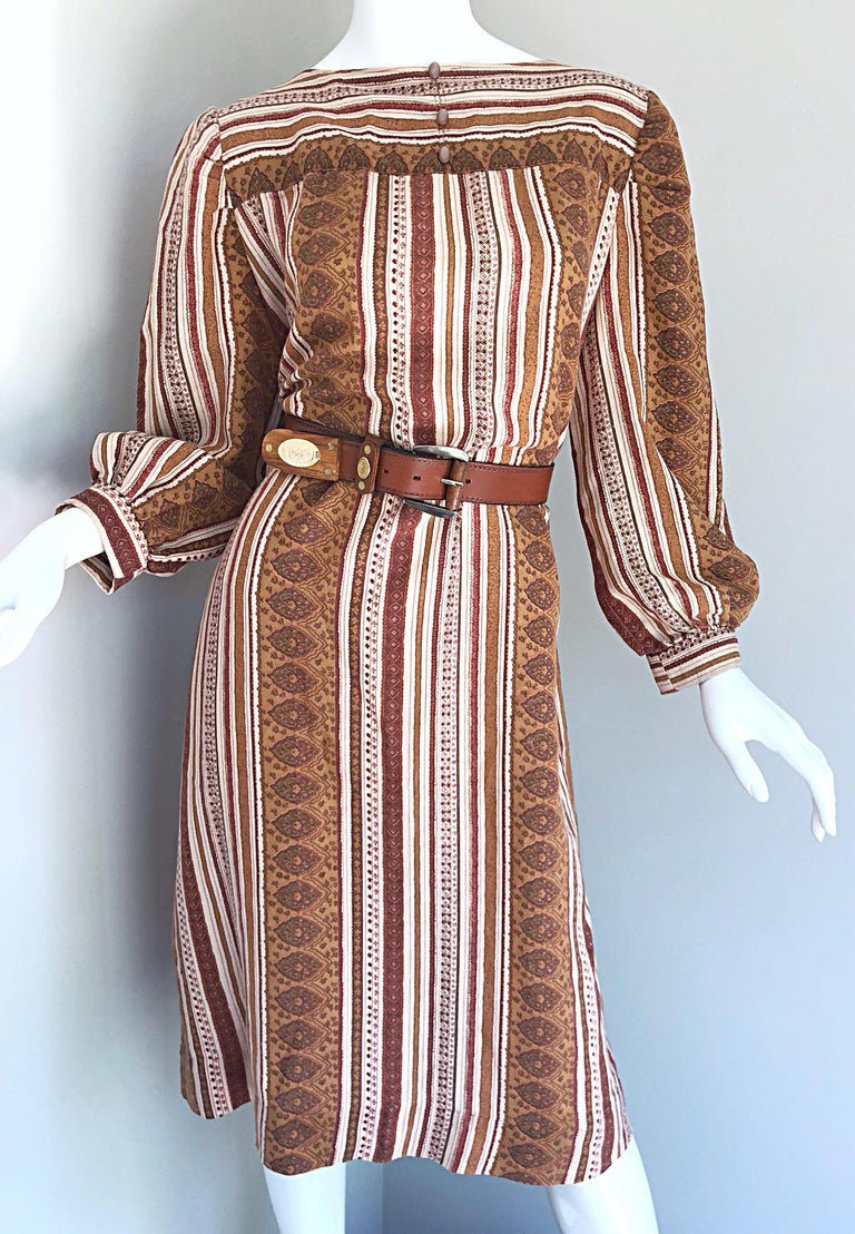1970s Boho Chic Brown and Ivory Soft Cotton Paisley Print Vintage 70s Dress For Sale 2