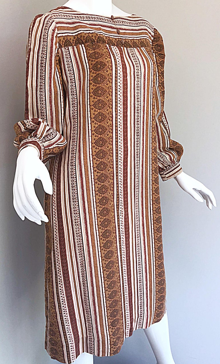 1970s Boho Chic Brown and Ivory Soft Cotton Paisley Print Vintage 70s Dress For Sale 3