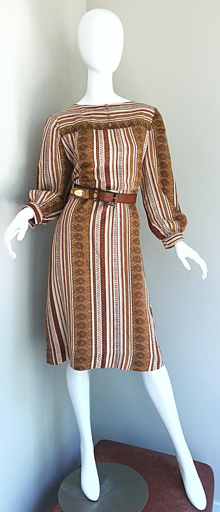 1970s Boho Chic Brown and Ivory Soft Cotton Paisley Print Vintage 70s Dress For Sale 6