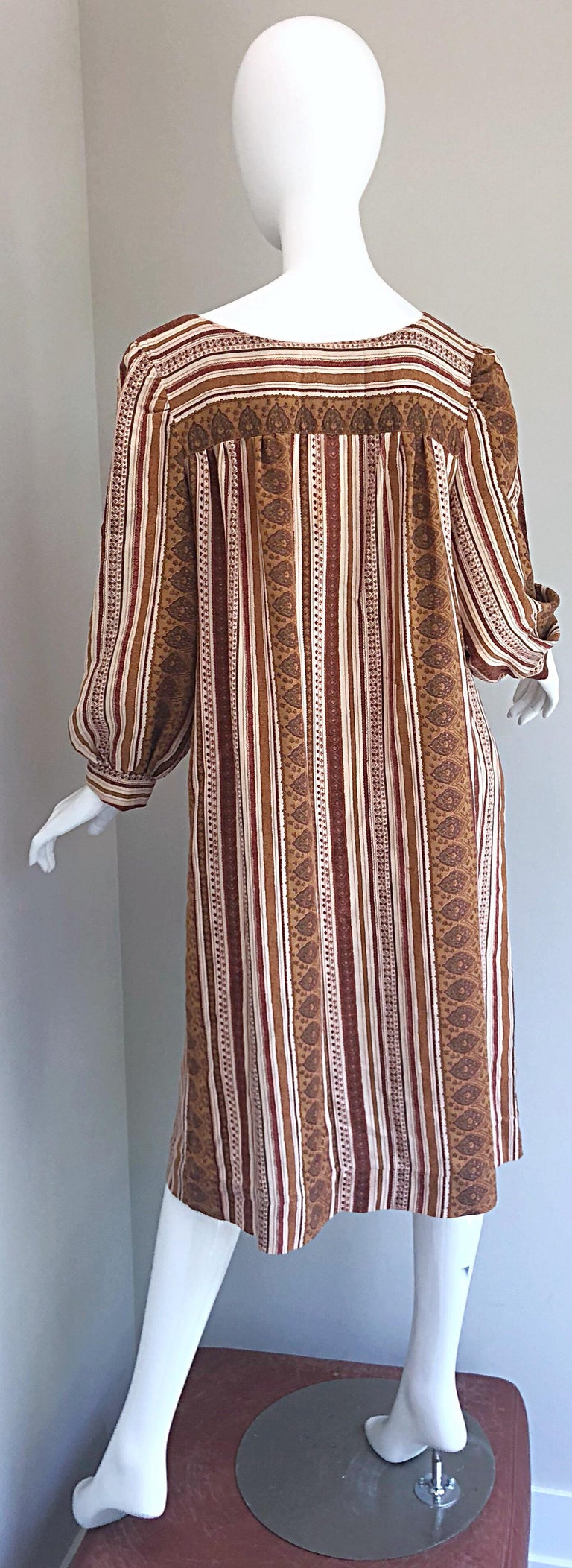 1970s Boho Chic Brown and Ivory Soft Cotton Paisley Print Vintage 70s Dress For Sale 7