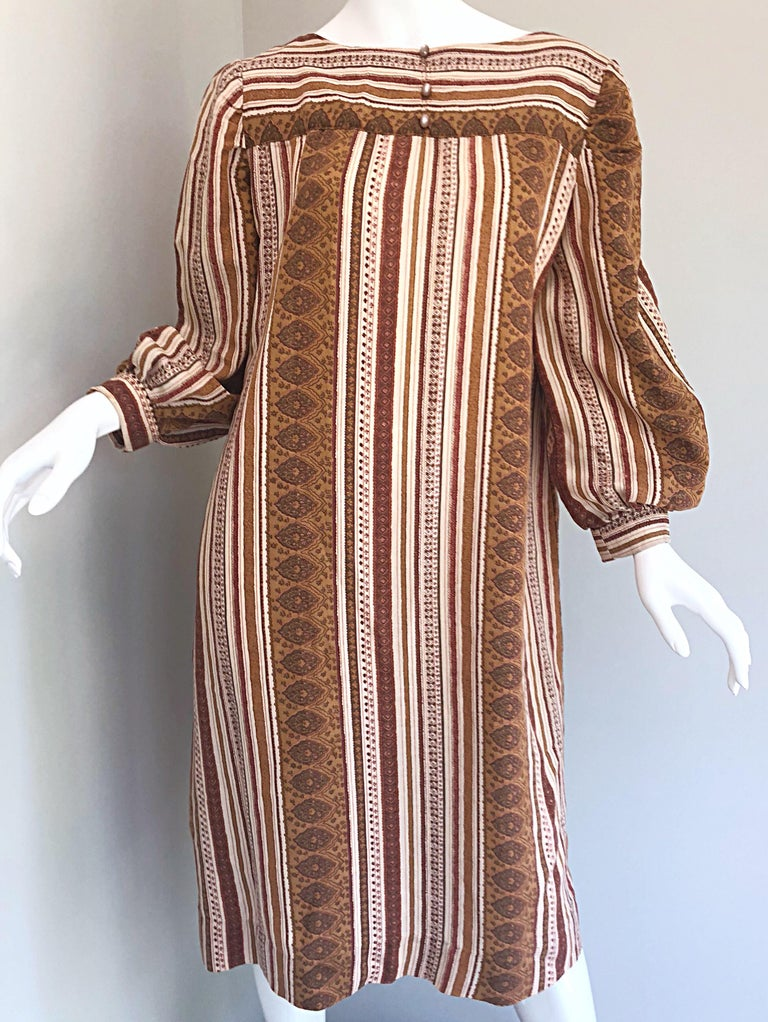 1970s Boho Chic Brown and Ivory Soft Cotton Paisley Print Vintage 70s Dress For Sale 9