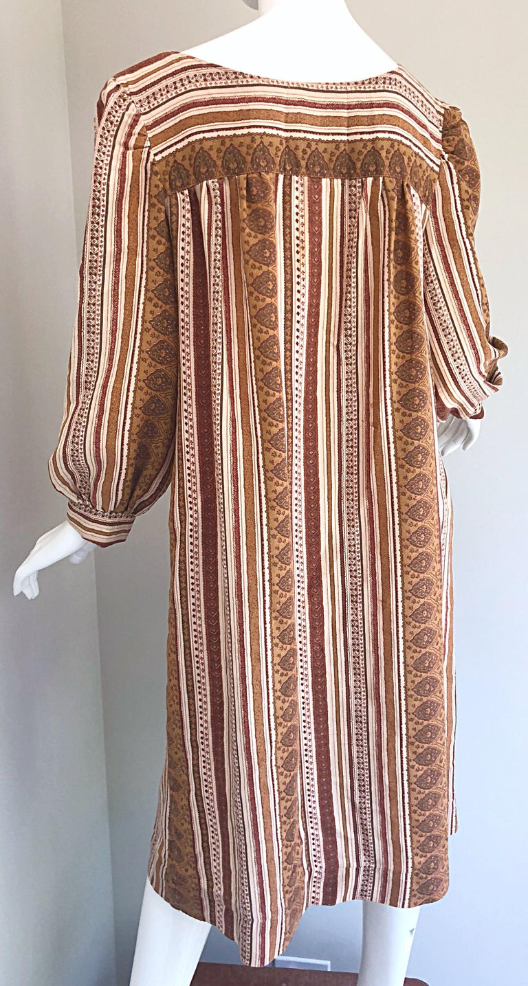 1970s Boho Chic Brown and Ivory Soft Cotton Paisley Print Vintage 70s Dress For Sale 10