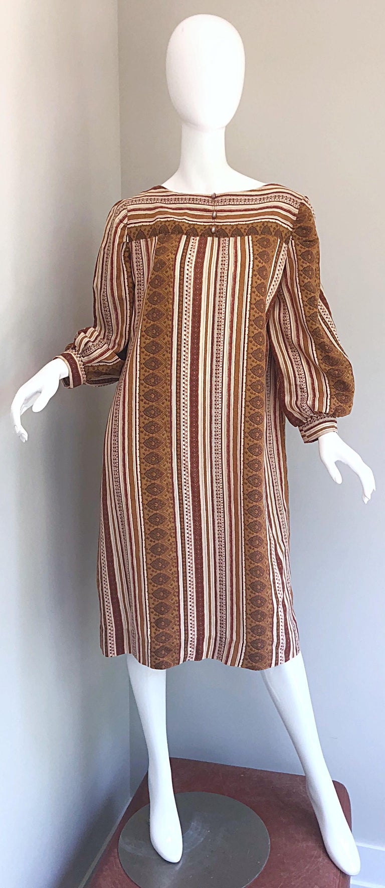 1970s Boho Chic Brown and Ivory Soft Cotton Paisley Print Vintage 70s Dress For Sale 12