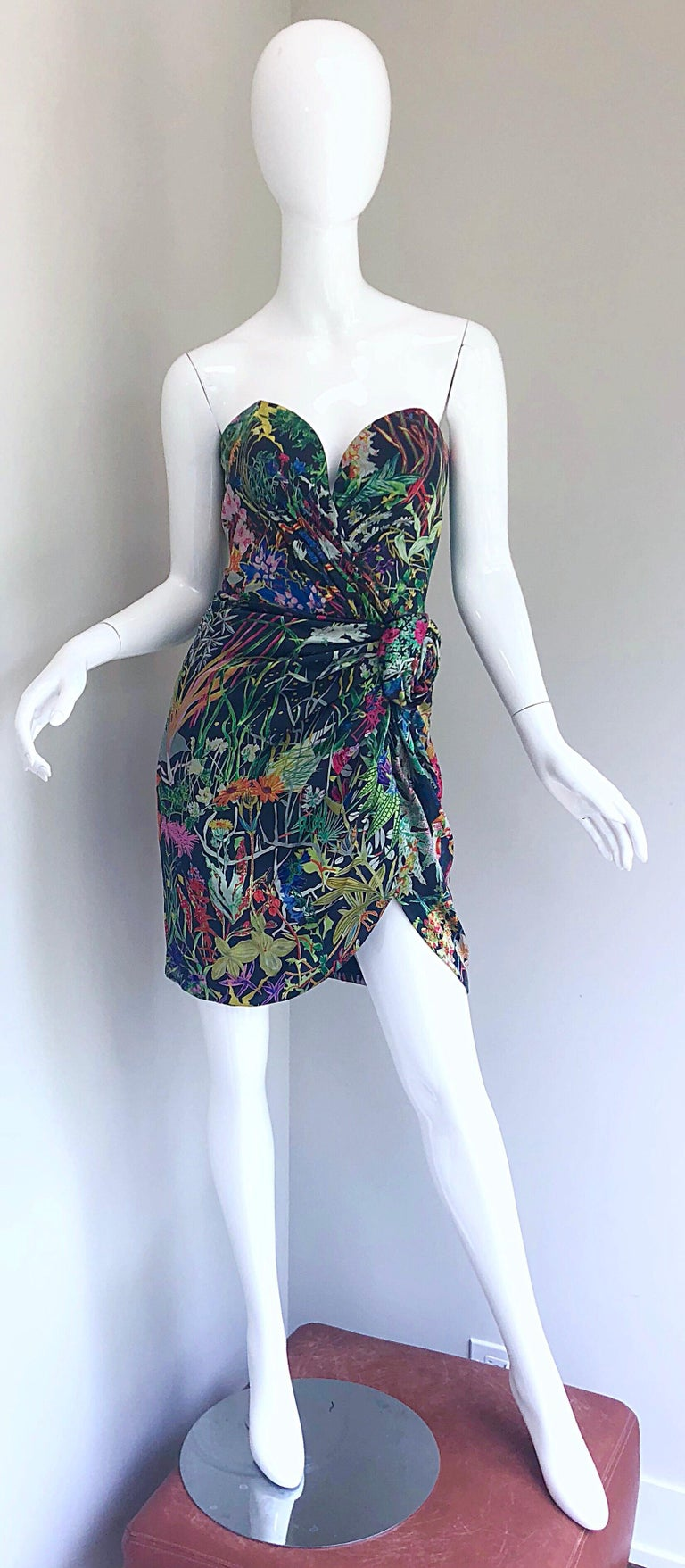 Fabulous vintage 1980s VICKY TIEL COUTURE botanical print silk strapless dress! Features amazing prints in practically every color of the rainbow; vibrant colors of green, fuchsia, purple, pink, blue, orange, red, etc. Amazing construction, with so