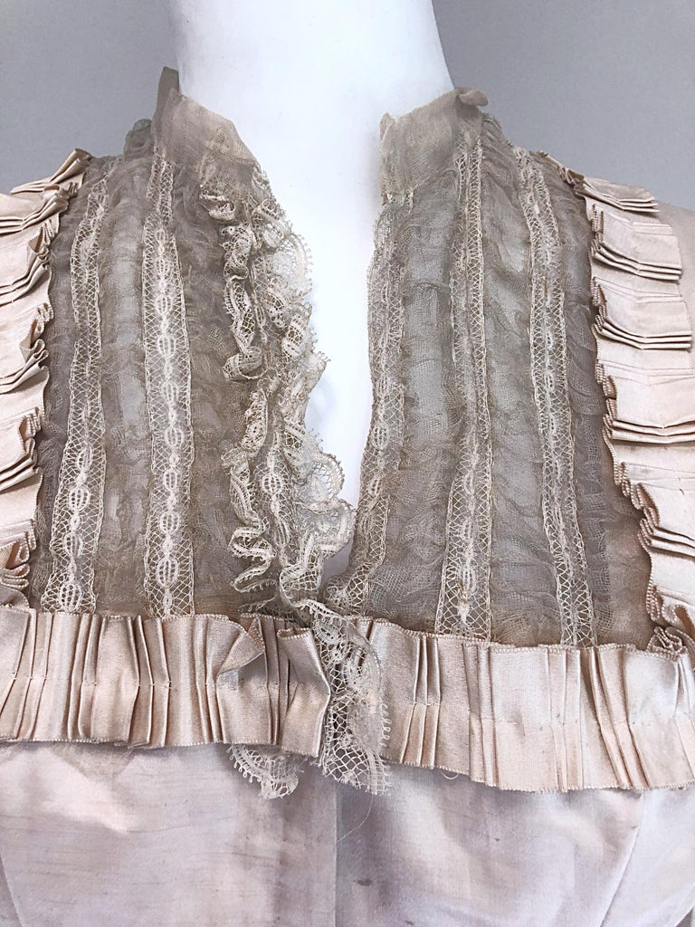 Gray Incredible Authentic Victorian 1880s Ivory Silk Lace Corset 1800s Couture Blouse For Sale