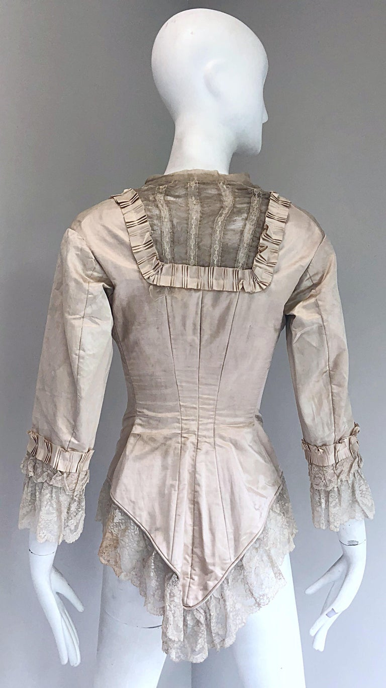 Incredible Authentic Victorian 1880s Ivory Silk Lace Corset 1800s Couture Blouse In Fair Condition For Sale In Chicago, IL