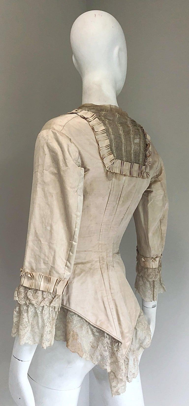Incredible Authentic Victorian 1880s Ivory Silk Lace Corset 1800s Couture Blouse For Sale 10