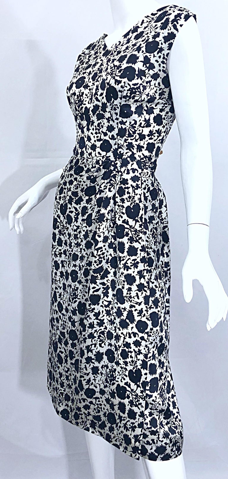 1950s House of Branell Black and White Silk Floral Vintage 50s Wrap Dress For Sale 1