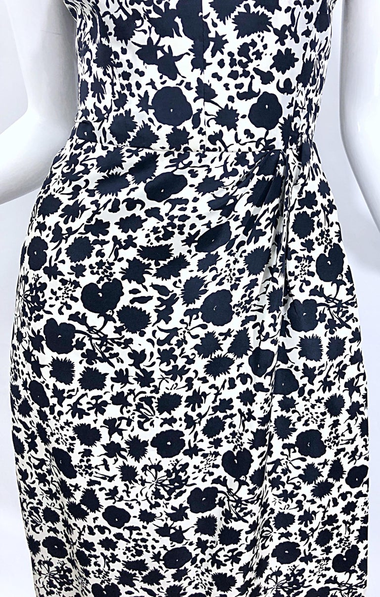 1950s House of Branell Black and White Silk Floral Vintage 50s Wrap Dress For Sale 6