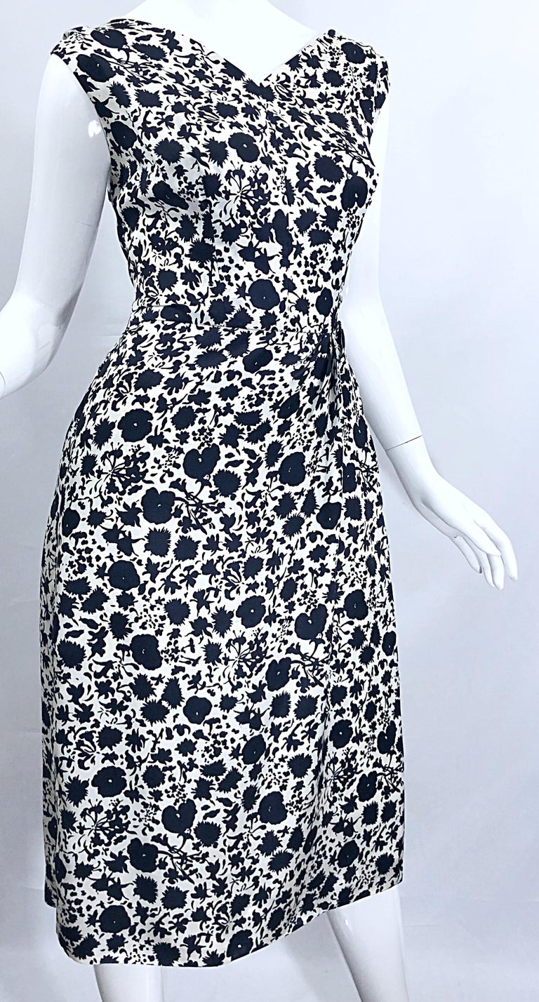 1950s House of Branell Black and White Silk Floral Vintage 50s Wrap Dress For Sale 8