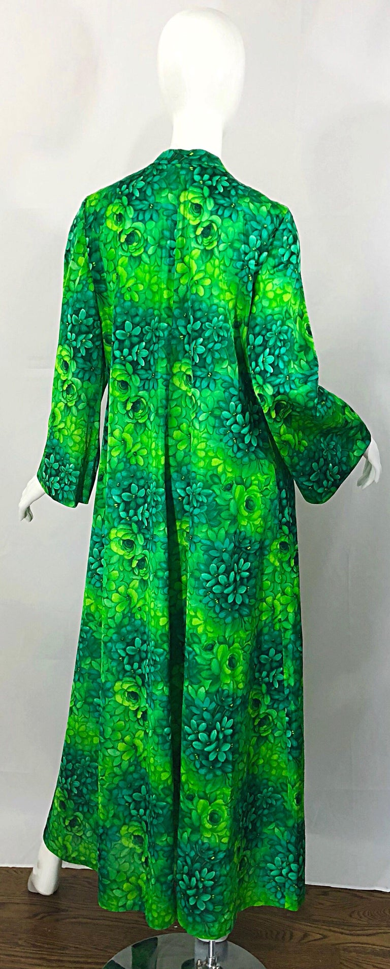Amazing 1970s Neon + Kelly Green Abstract Flower Print 70s Vintage Caftan Dress For Sale 1