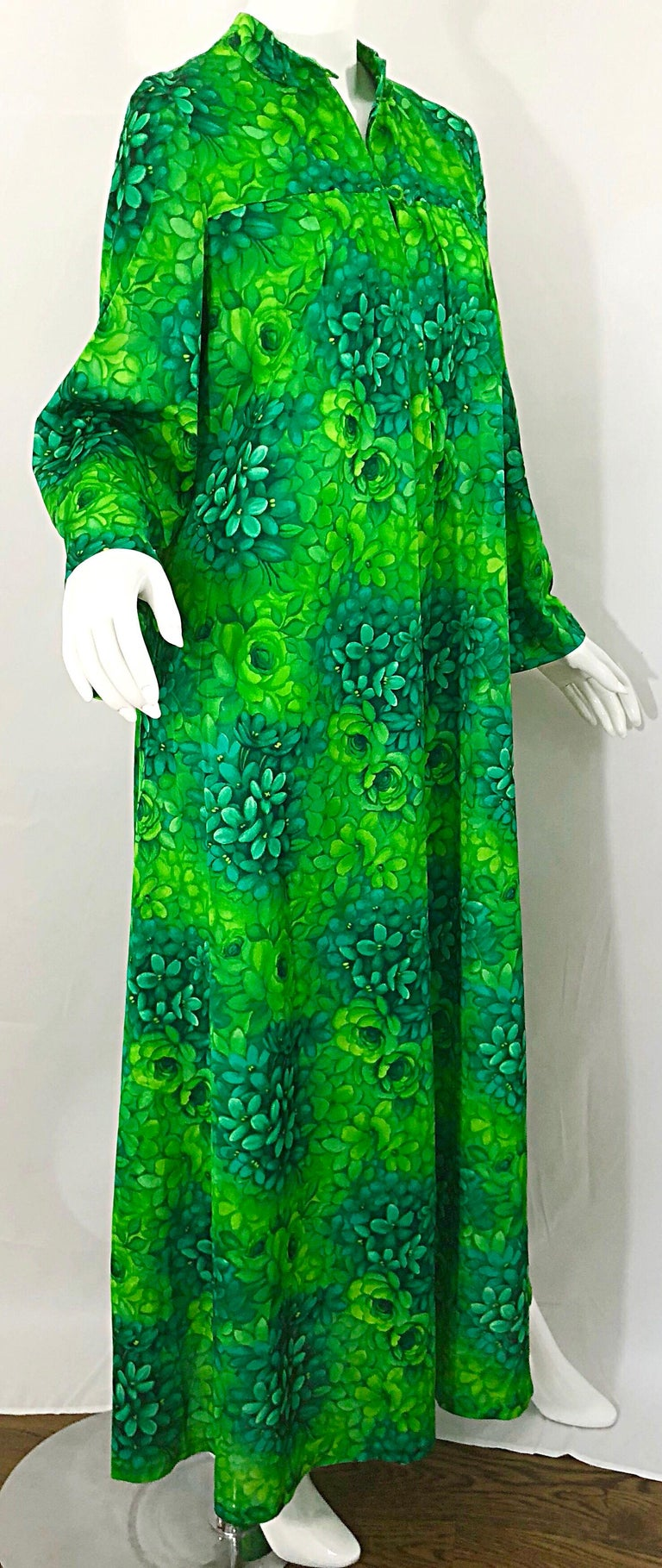 Amazing 1970s Neon + Kelly Green Abstract Flower Print 70s Vintage Caftan Dress For Sale 3