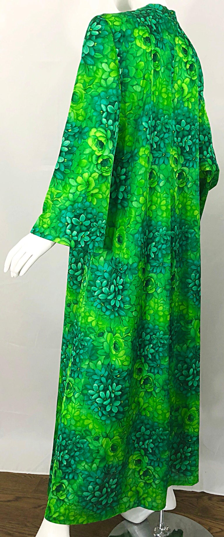 Amazing 1970s Neon + Kelly Green Abstract Flower Print 70s Vintage Caftan Dress For Sale 4