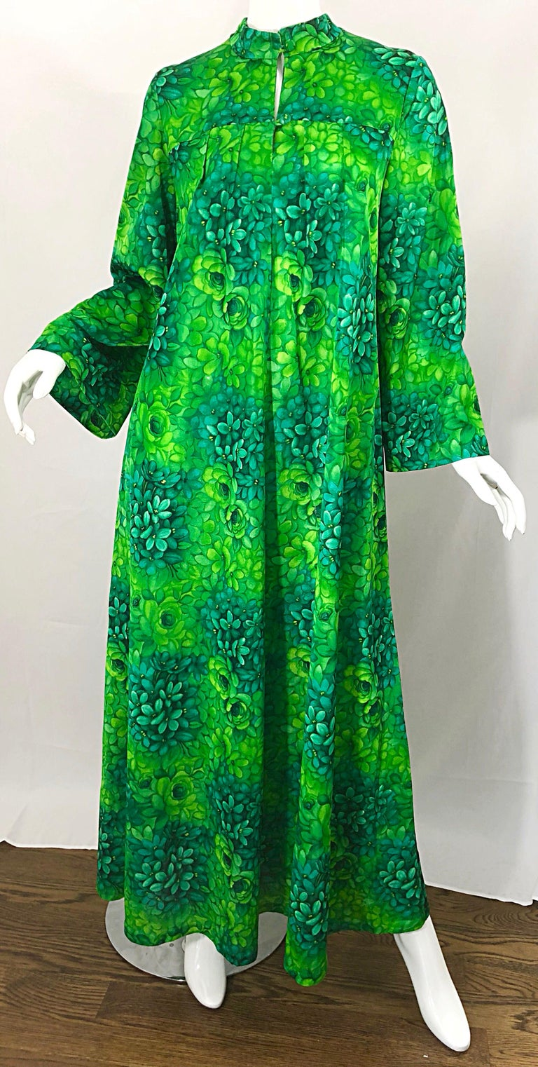 Amazing 1970s Neon + Kelly Green Abstract Flower Print 70s Vintage Caftan Dress For Sale 5