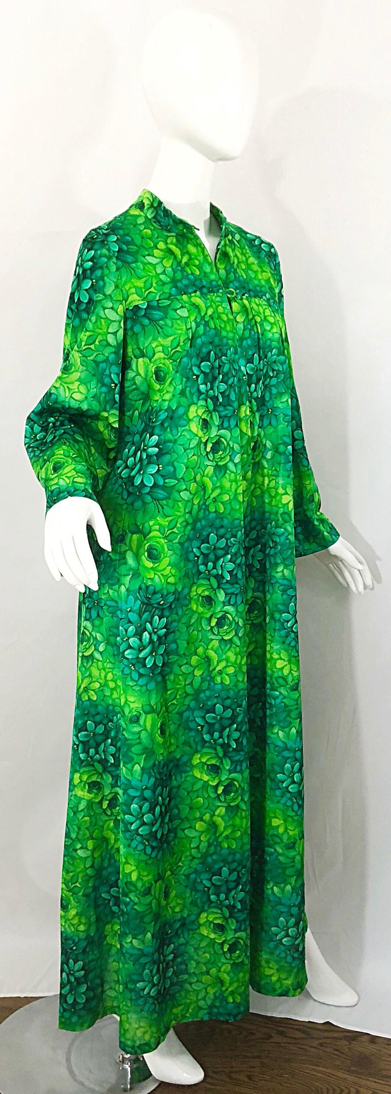 Amazing 1970s Neon + Kelly Green Abstract Flower Print 70s Vintage Caftan Dress For Sale 6
