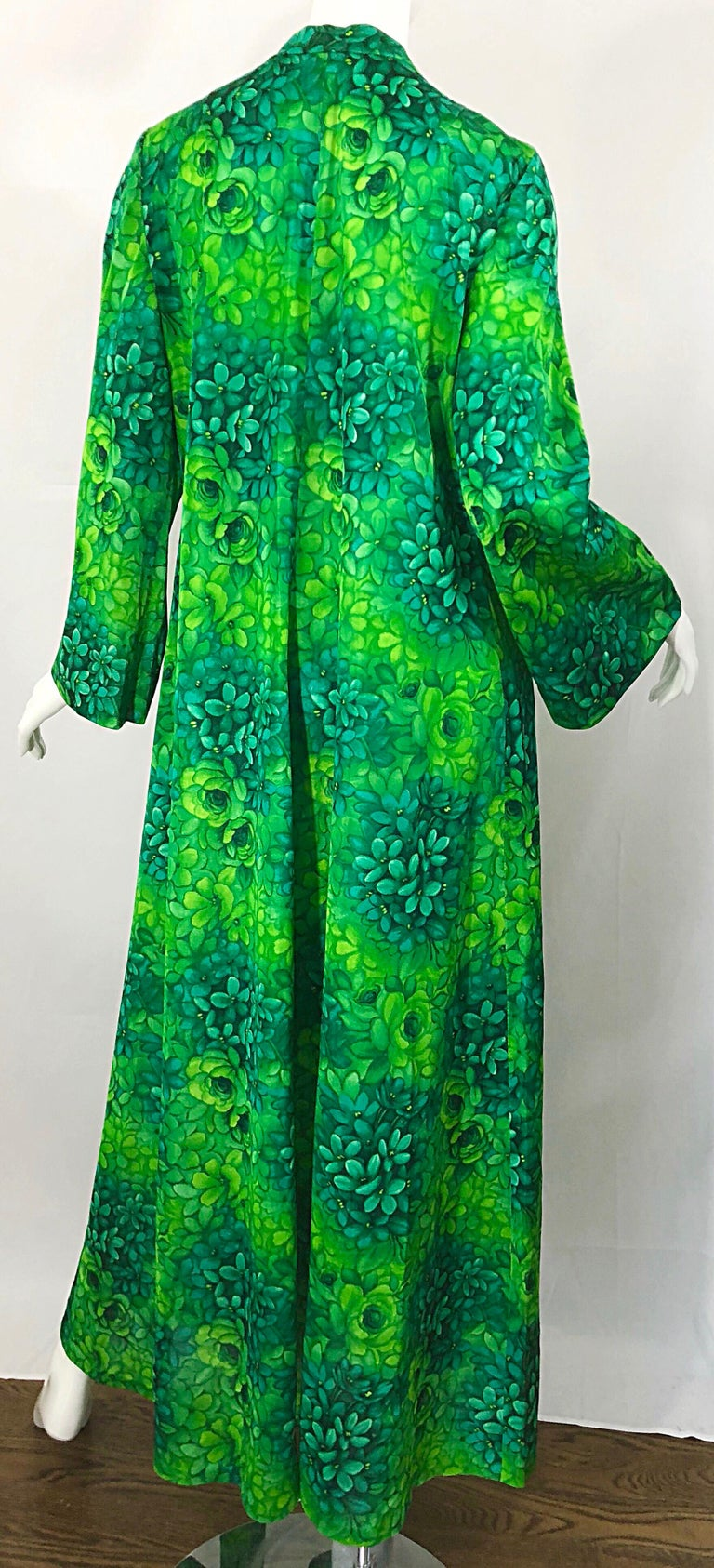Amazing 1970s Neon + Kelly Green Abstract Flower Print 70s Vintage Caftan Dress For Sale 7