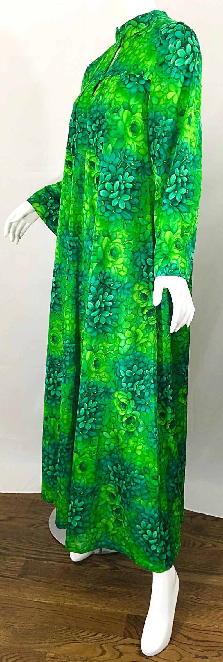 Amazing 1970s Neon + Kelly Green Abstract Flower Print 70s Vintage Caftan Dress For Sale 8