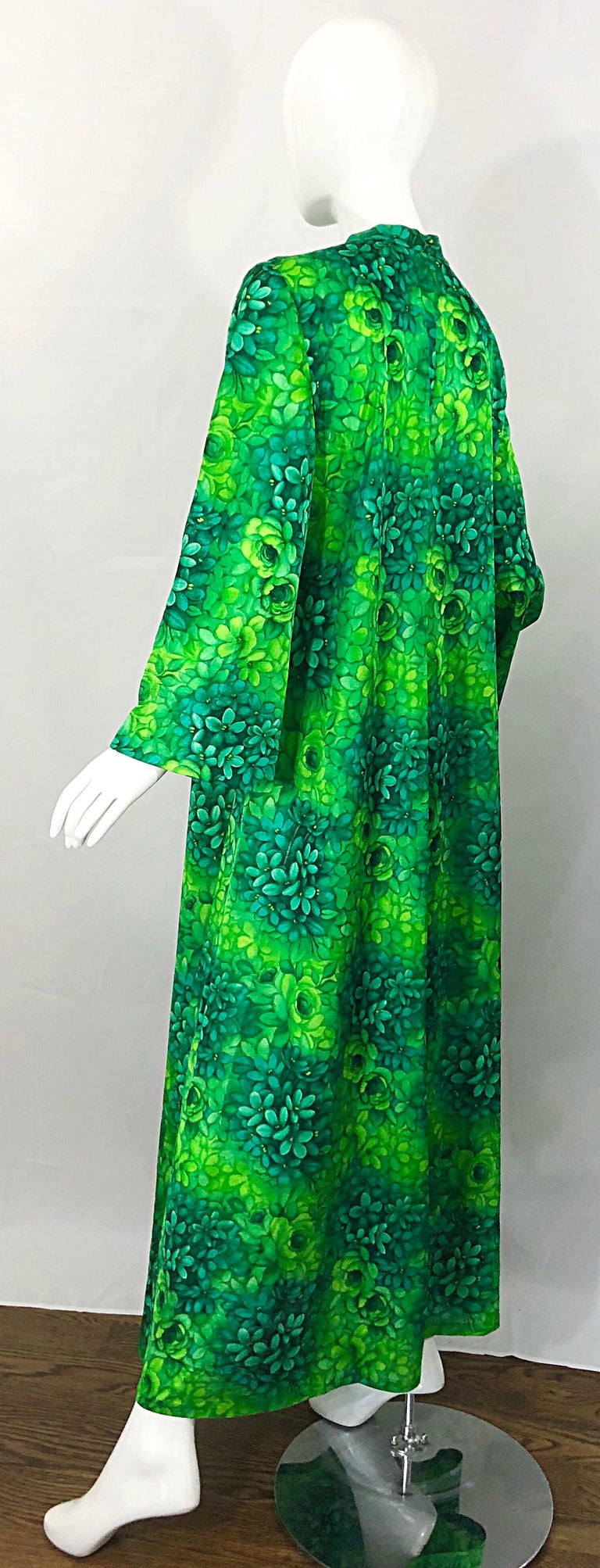 Amazing 1970s Neon + Kelly Green Abstract Flower Print 70s Vintage Caftan Dress For Sale 9