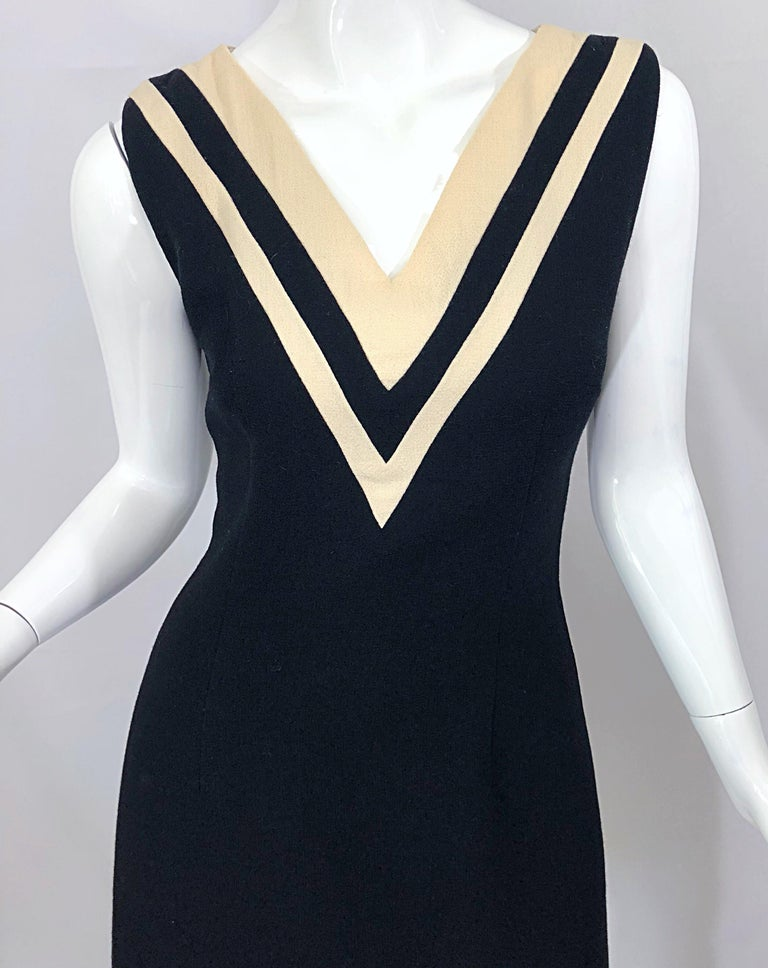 Dolce & Gabbana Size 42 / US 6 Black and Ivory 1990s Does 1960s Wool Shift Dress In Excellent Condition For Sale In Chicago, IL