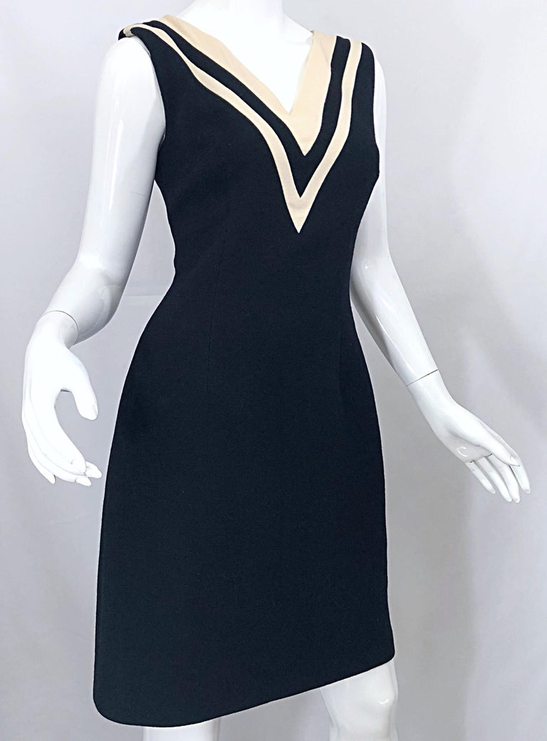 Dolce & Gabbana Size 42 / US 6 Black and Ivory 1990s Does 1960s Wool Shift Dress For Sale 2