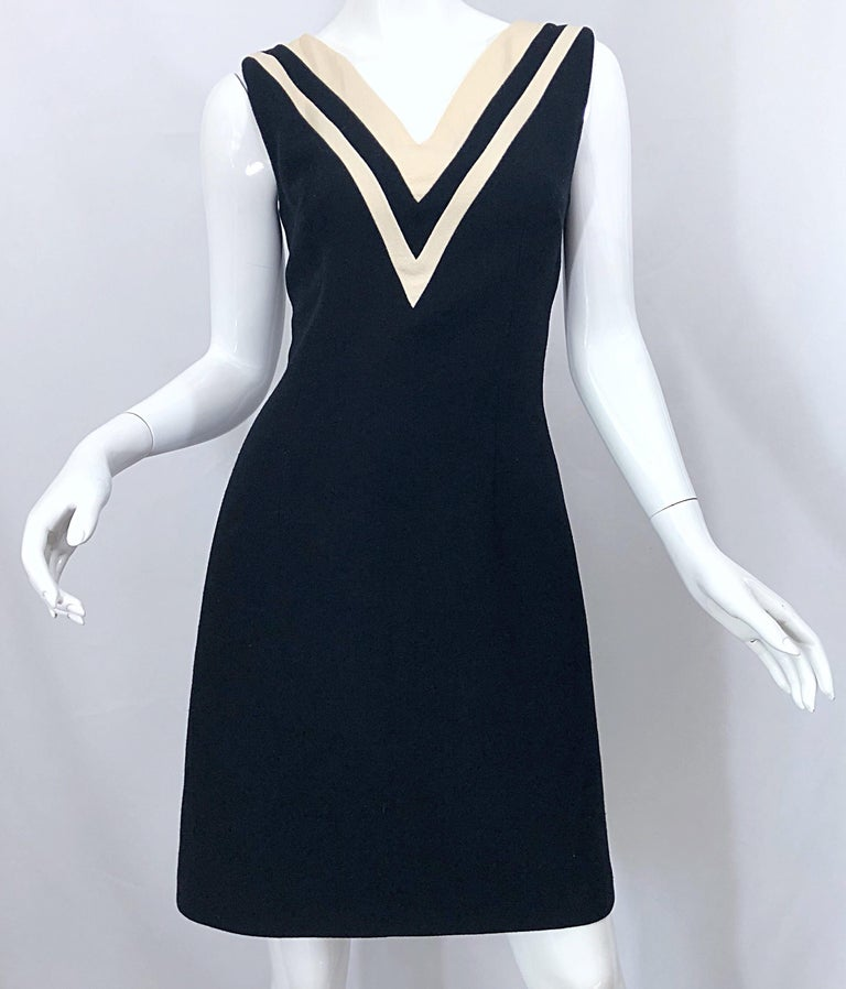 Dolce & Gabbana Size 42 / US 6 Black and Ivory 1990s Does 1960s Wool Shift Dress For Sale 3