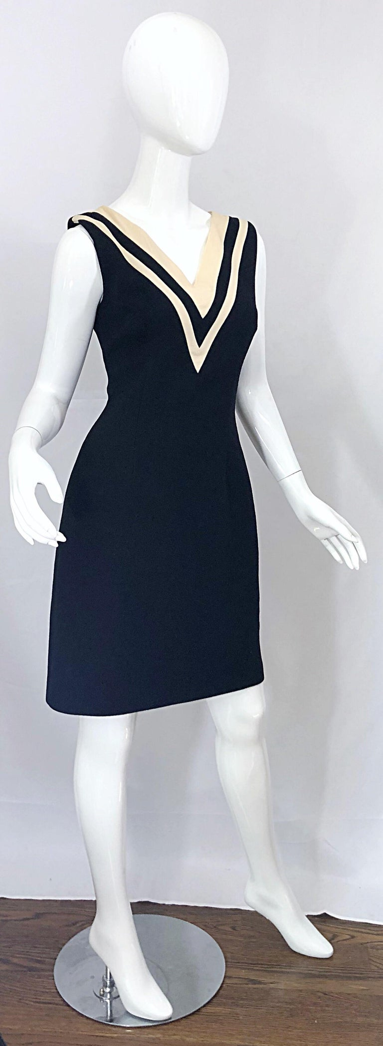 Dolce & Gabbana Size 42 / US 6 Black and Ivory 1990s Does 1960s Wool Shift Dress For Sale 7