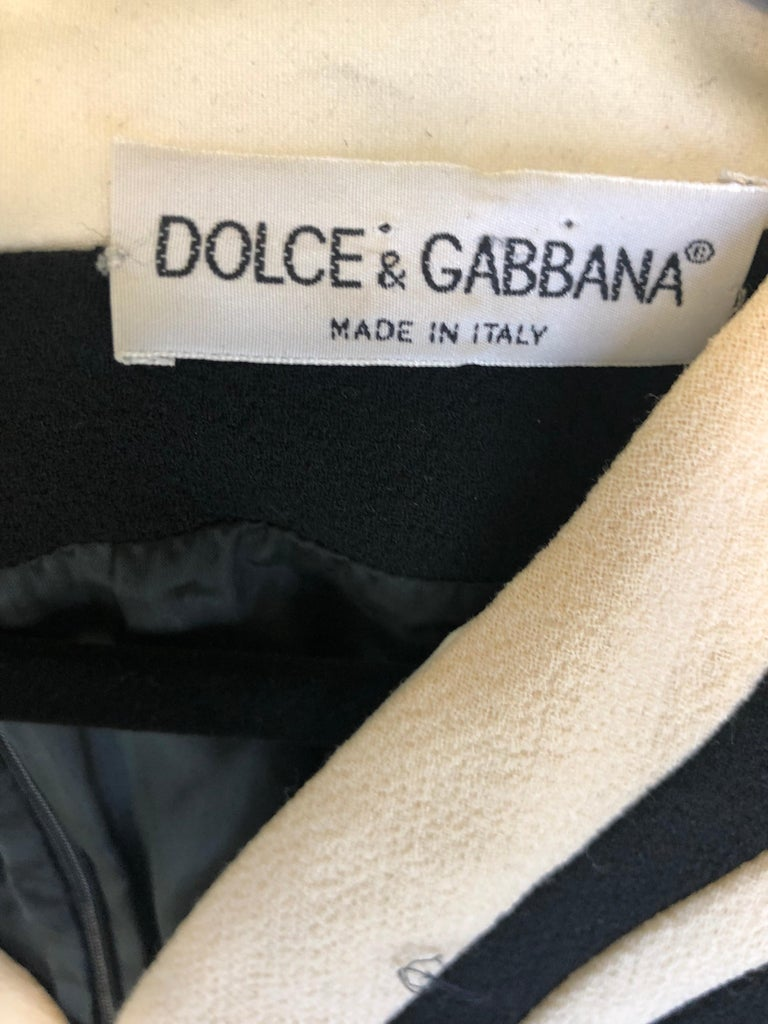 Dolce & Gabbana Size 42 / US 6 Black and Ivory 1990s Does 1960s Wool Shift Dress For Sale 9