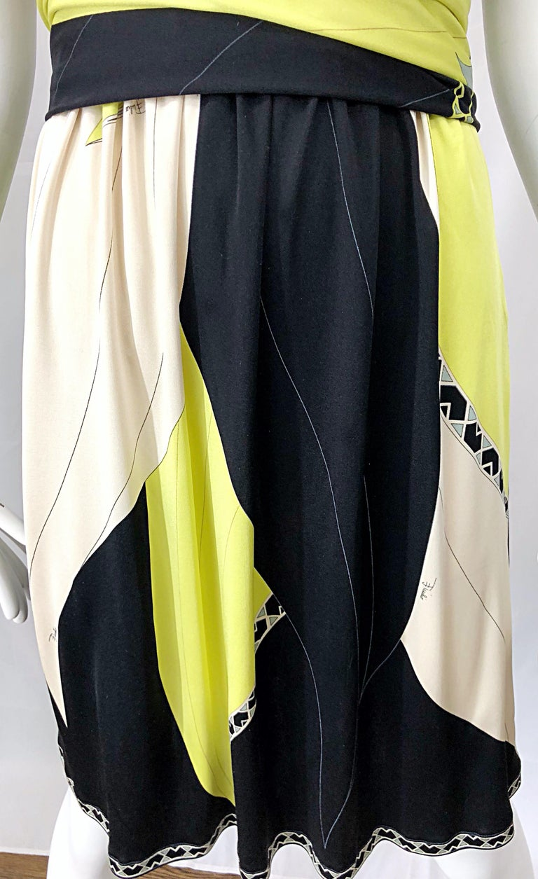 Emilio Pucci 1990s Size 8 Chartreuse Black Ivory Kaleidoscope Silk Jersey Dress In Excellent Condition For Sale In Chicago, IL