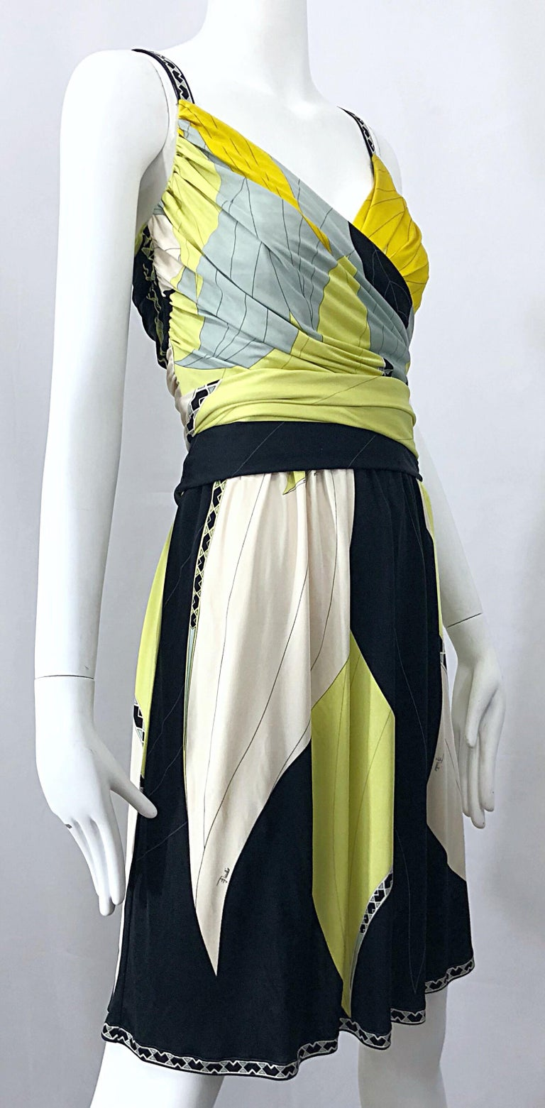 Emilio Pucci 1990s Size 8 Chartreuse Black Ivory Kaleidoscope Silk Jersey Dress For Sale 2